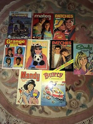 Selection Vintage Annuals.