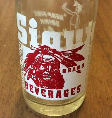Sioux BEVERAGES ACL Soda Pop Bottle 7 oz American Indian, 7UP Co, Sioux Falls SD
