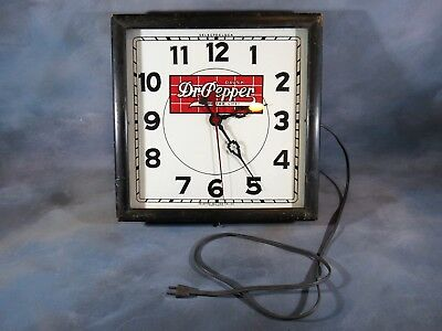 Dr Pepper Clock, 1930s Wooden Case WORKS GREAT Good for Life! Selectoclock