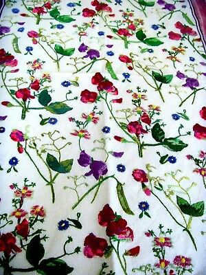 Beautiful Vintage Hand Embroidered Linen Panel Tea Cloth Sweet Peas & Pods Rare