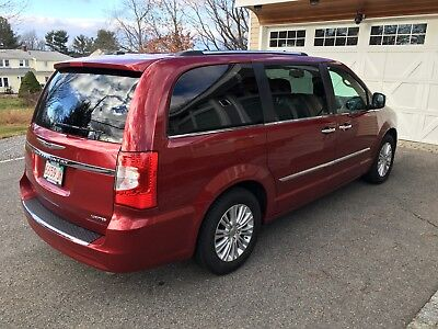 2014 Chrysler Town & Country Limited 2014 chrysler town & Country
