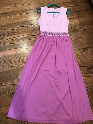 Vintage Nightgown With Nice waist Detail size small