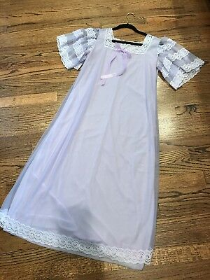 Vintage Lilac Niggtgown With Lace Size Medium