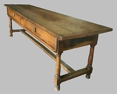 Antique oak table dating from the first quarter of the 1800's.