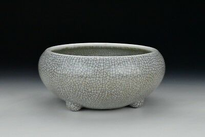 Antique Chinese Porcelain GE-Type Tri Foot Bowl Qing Dynasty