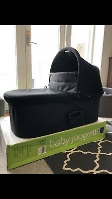 Baby Jogger Deluxe Pram/Carrycot In Black