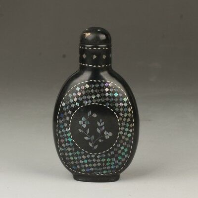 China Exquisite Handmade flower pattern mother-of-pearl lacquerware snuff bottle