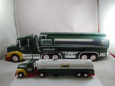 2014 Collector's Edition HESS TOY TRUCK w/1964 Tanker Truck Replica 50th Edition