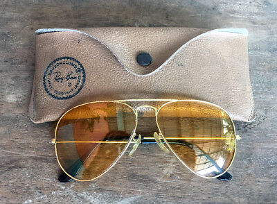 VINTAGE 58[]14 BAUSCH & LOMB RAY-BAN AMBERMATIC 58mm AVIATOR SUNGLASSES w/ CASE