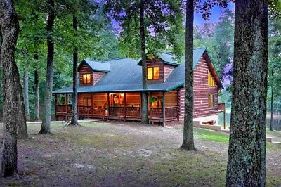 3 Story Log Cabin Home on Private Pond 22 Wooded Acres Bed & Breakfast Camground