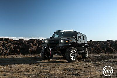 2004 Hummer H2  2004 hummer h2   Tastefully customized   OVER THE TOP!