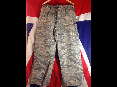 GENUINE U.S MILITARY  GORETEX WATERPROOF TROUSERS  NEW Large med & Small sizes