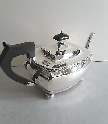 Nice Deco Style & Period Vint. Solid Silver Tea- Pot.   570Gms.  Chester. 1929.
