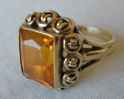 Vintage 10K Yellow Gold Solitaire Citrine Ring - 5.1 grms, Size 6