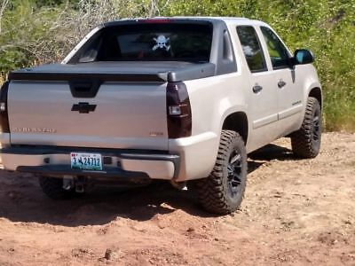2007 Chevrolet Avalanche LS Awesome truck with new motor and lots of add on.