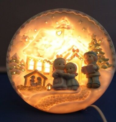 """Precious Moments """"sugar Town"""" 3D Relief 8"""" Lighted Plate Enesco 1996-05"""