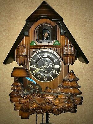 Wooden vintage forest Cuckoo Clock (used Condition) Nice Item time