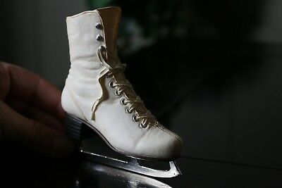 """JUST THE RIGHT SHOE """"FIGURE EIGHT"""" ITEM# 25144, ice skating boot"""