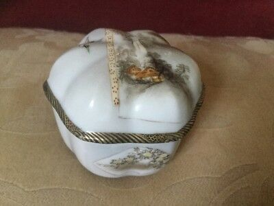 Oriental Old Shaped Trinket Box With Wooded Landscape And Crane Decoration