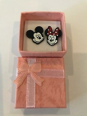 Disney Inspired Mickey and /& Minnie Mouse Holding Balloon Metal Enamel Stud Earrings Great Gift