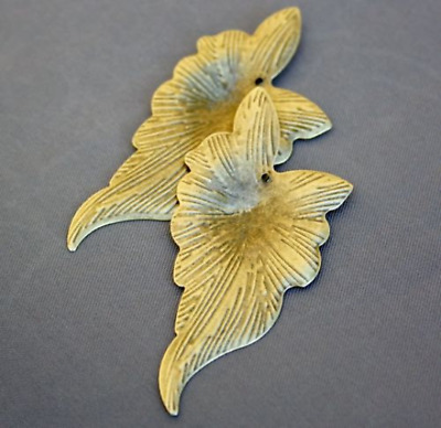 Pack of 20 Antique Gold/Bronze Pendant Leaf Thin Large Leaves