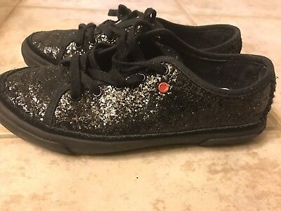 9803ec86032 UGG GIRLS J I Heart Lace Up Shoe Glitter Silver Sneakers Size 4 EUC ...
