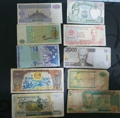 lot of 8 world banknotes mixed