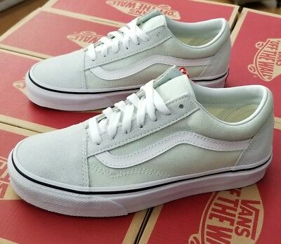 fb9416c687cc50 VANS AUTHENTIC VERY Be Men Women Sneakers Berry White VN0A38EMOVY ...