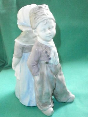 Gebr. Heubach, antique figurine of a back to back Dutch couple/ porcelain/China