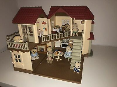 Sylvanian Families Beechwood Hall Bundle( Fully Furnished+ 10 Sylvanians!!!)