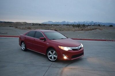 2012 Toyota Camry XLE Hybrid 2012 Toyota Camry HYBRID with AMAZING FUEL ECONOMY! Great Condition