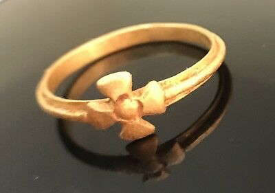 Medieva Gold Ring With Cross