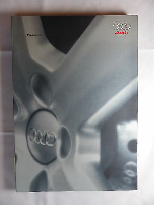 Audi S4 A8 A6 allroad 4.2 - Hardcover Pressemappe press-kit News Paris 2002