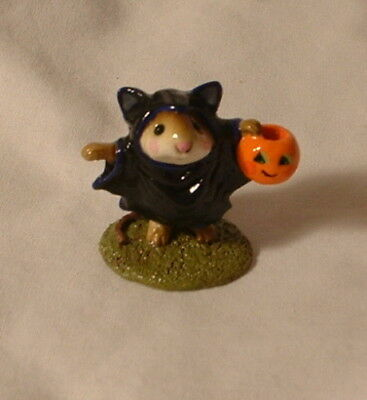Wee Forest Folk M-154 HALLOWEEN BAT MOUSE 1987 Trick or Treat Bat Costume