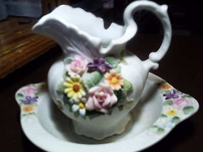 Lefton Small WASH BASIN BOWL Raised Flowers #KW3221 & Pitcher Bisque #KW3221