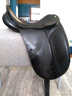 County Competitor XW Dressage Saddle 16.5 -  XW 16.5 Inch Seat