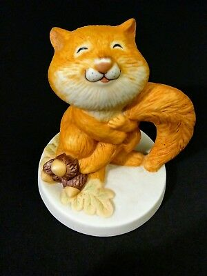 Sunny Animals Squirrel Hugging Tail Porcelain Figurine by Heartline~EUC