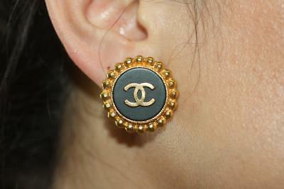 VINTAGE CHANEL Round Black Enamel CC Logo Gold-tone Clip On Earrings Non-Pierced