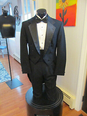 Mens Vintage Black Notch Lapel Tail Tuxedo Oscar De La Renta 38L 4 Pcs T-104
