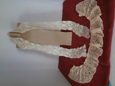 Vintage Antique embroider lace beige 2 beautiful pieces in very good condition