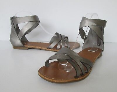 GAP Womens Lovely Silver Pewter Gray Strappy Ankle Strap Flats Sandals 7 M