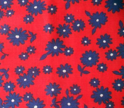 1.6 M (Plus Extra) X 90 Cms Vintage 1960's Cotton Fabric Navy Daisies On Red