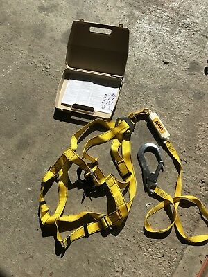 Miller Full Body Harness And Lanyard