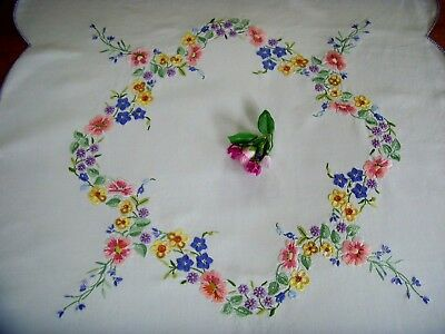 Beautiful Vintage Linen Tablecloth Dog Roses ~ Superb Raised Hand Embroidery