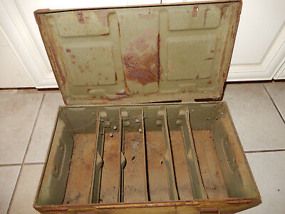 Original Us Army 1945 Dated Mine Metal Crate With Inserts