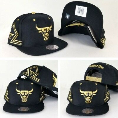 e3a2384e94d Mitchell   Ness NBA Chicago Bulls Black   Gold snapback Adjustable Hat Cap