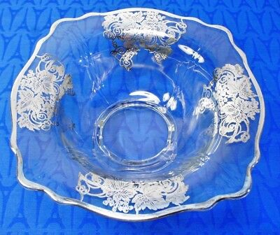 Beautiful Elegant Glass Era Silver Overlay footed bowl. Leaves and vines. EXC!
