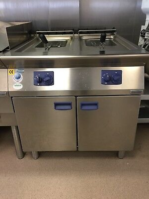 Electrolux Twin Well 15 + 15 Litre Gas Fryer. Never been used.
