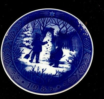 1985 Royal Copenhagen Christmas Plate - No Original Box R10