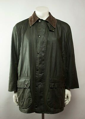 Vintage Barbour Border Waxed Jacket in Olive ( Size C44 / 112 CM )
